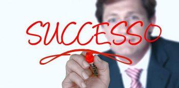Scegli la voce di uno speaker pubblicitario professionista per il successo del tuo messaggio pubblicitario.